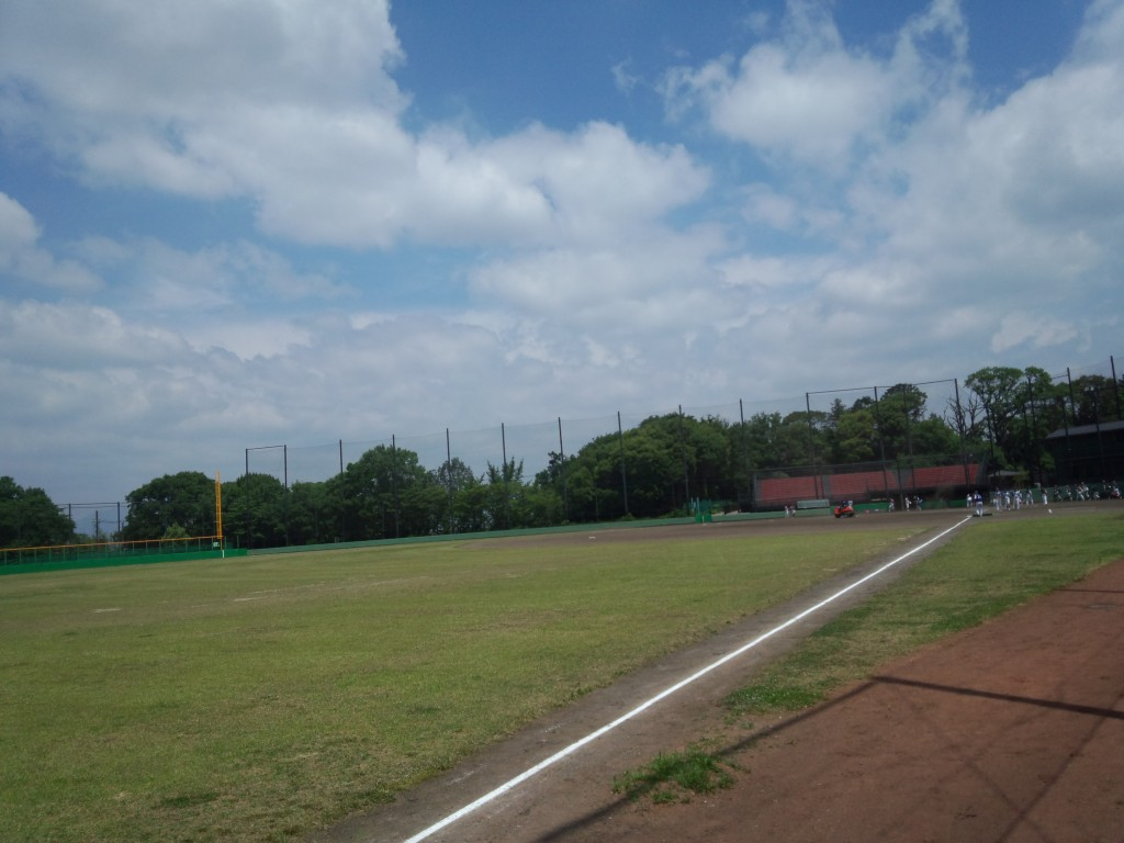 外野側から一塁側のスタンド