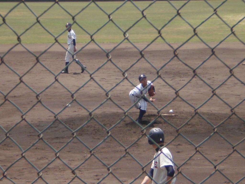 洛東・糸川投手