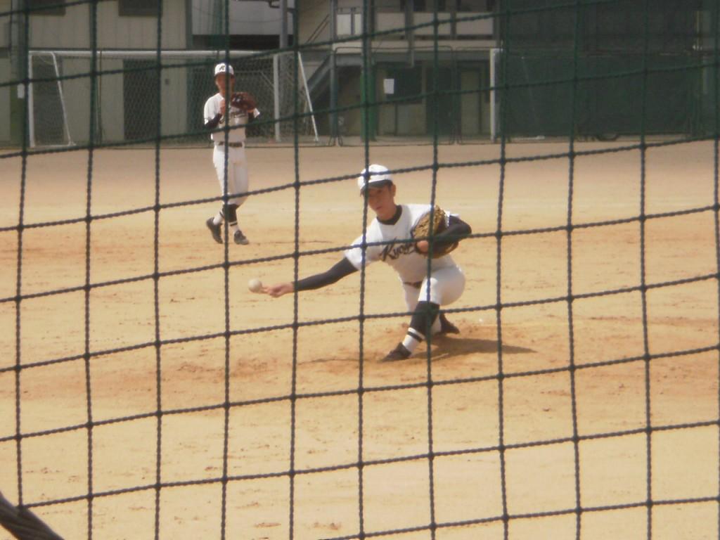 京都学園3番手の背番号16