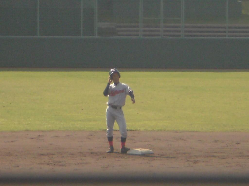 タイムリーエラーで出塁の西川選手