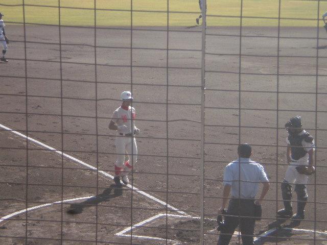 先頭打者ホームランの太田選手