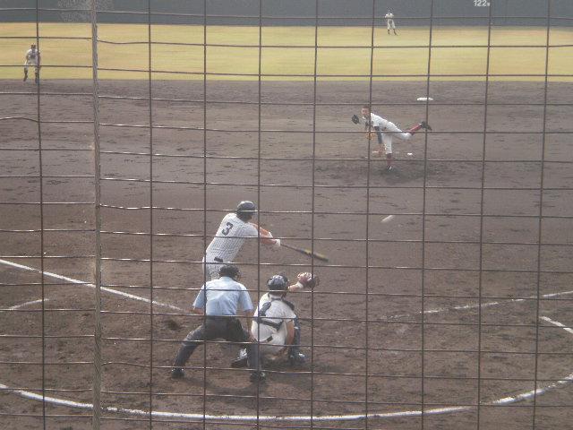 ライト線へ2塁打を放った瞬間