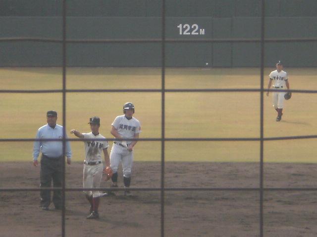2塁塁上の馬越選手