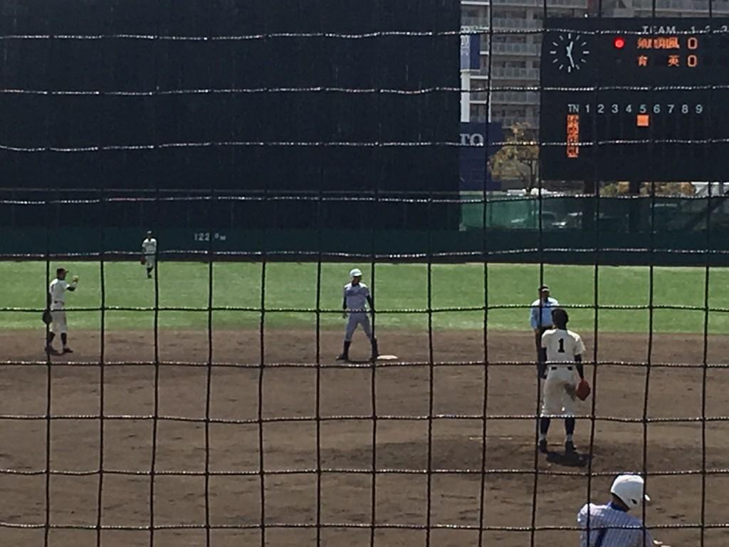 2塁打の須磨翔風・中野選手