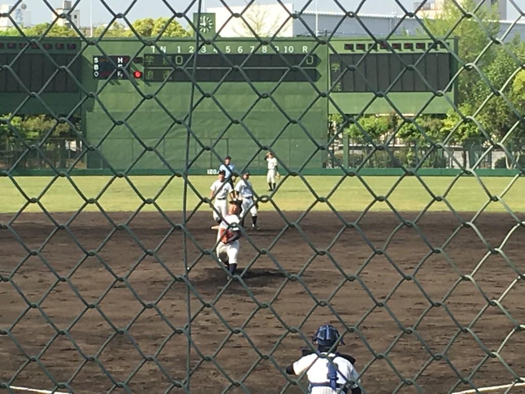 大阪学院大高先発の背番号10右腕投手