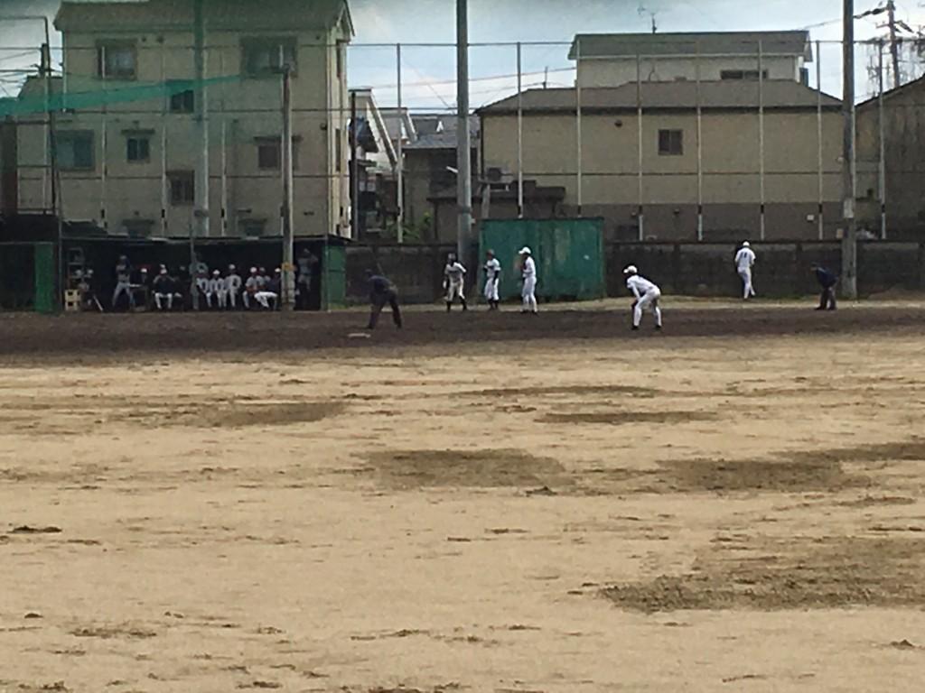 富田林、チャンスは作り、この回も1死13塁!