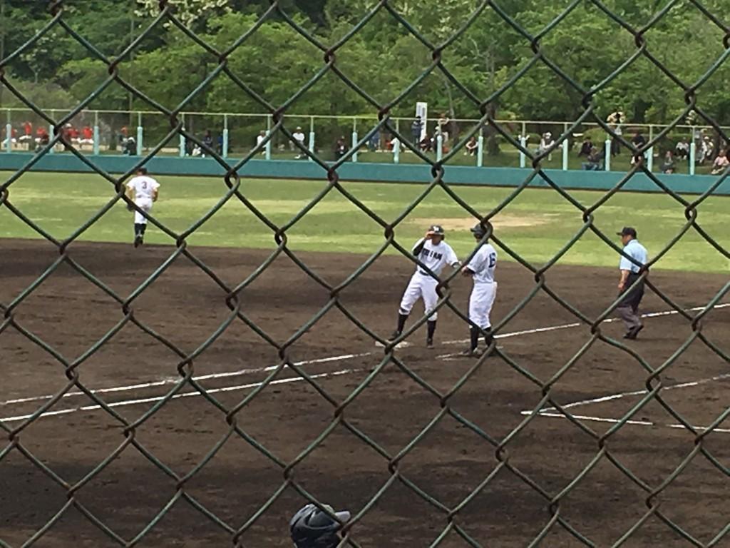 センター前タイムリーヒットの竹内選手
