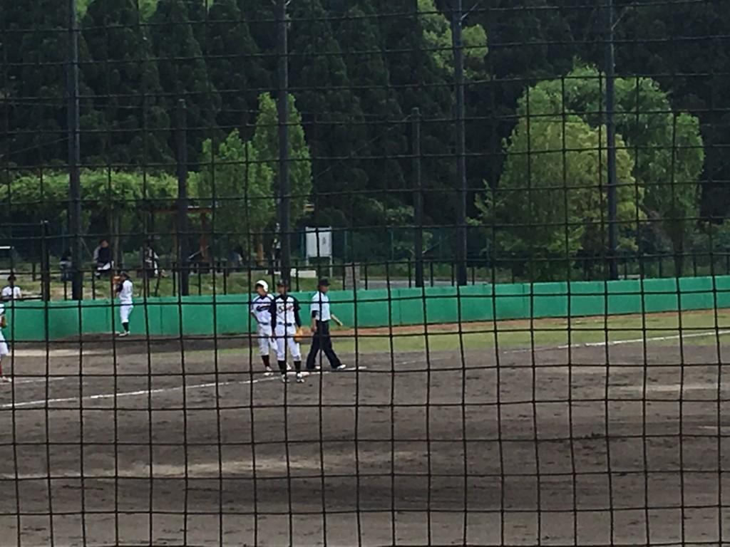 3塁までランナーを進めるも京都工繊大学無得点