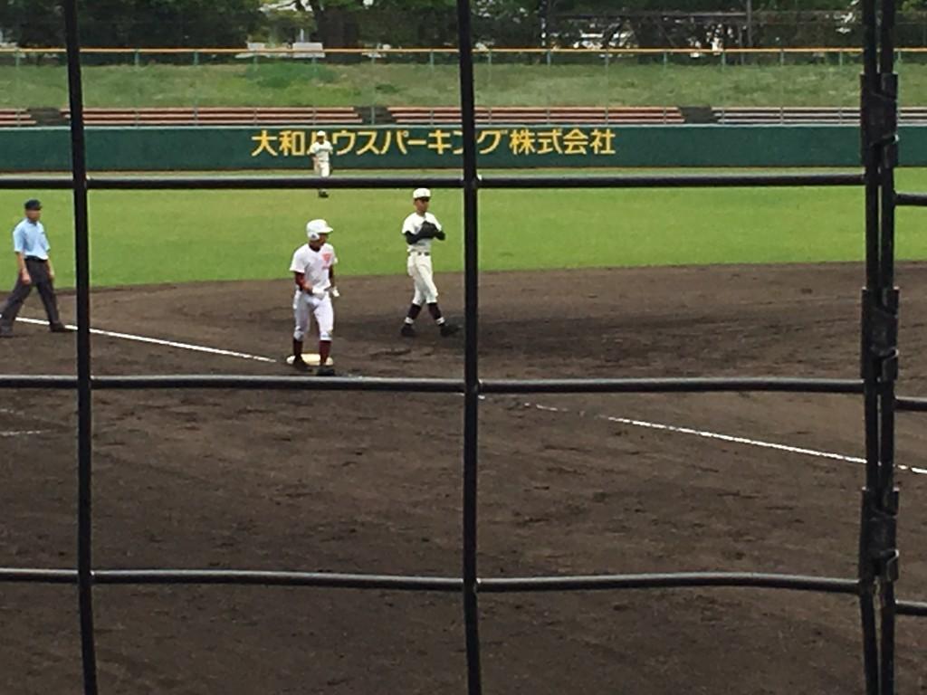 3塁へ進む大西選手