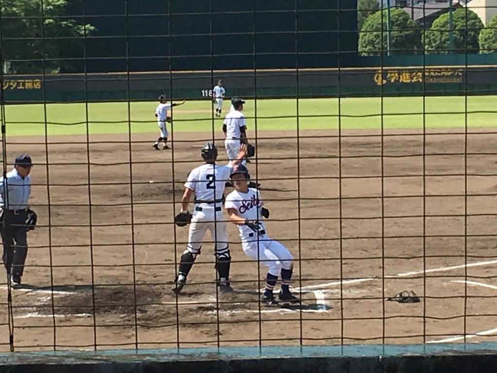 福知山成美・伊藤選手が先制のホームイン