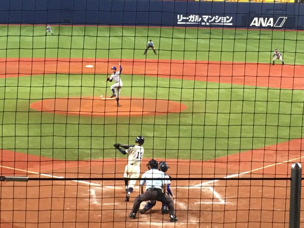 チャンスの場面で千里田中選手はサードゴロに倒れる