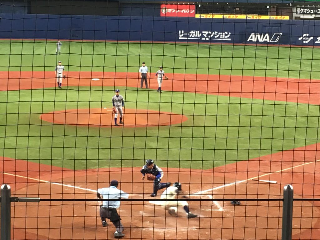 千里、伊藤選手が2点目のホームイン