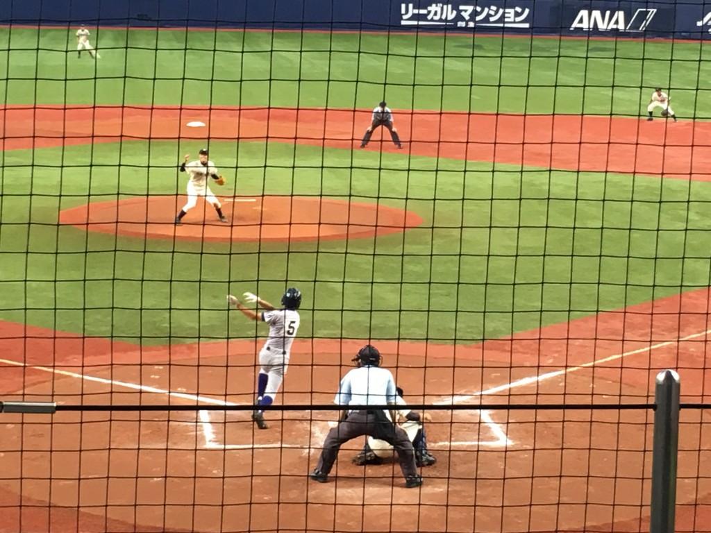 上林選手がタイムリー三塁打を放った場面