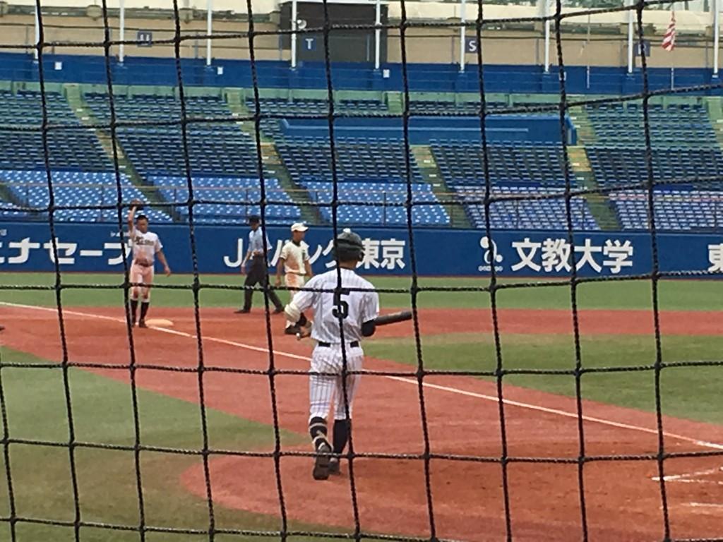 3塁まで進む広尾・相澤選手