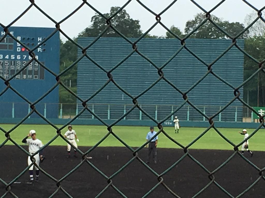 二塁打を放った成章・井上選手