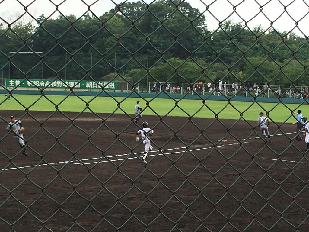 久保田選手の当たりはライト線を破る満塁走者一掃のタイムリー2塁打