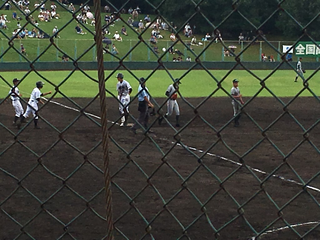 三塁打の平安、岡田選手