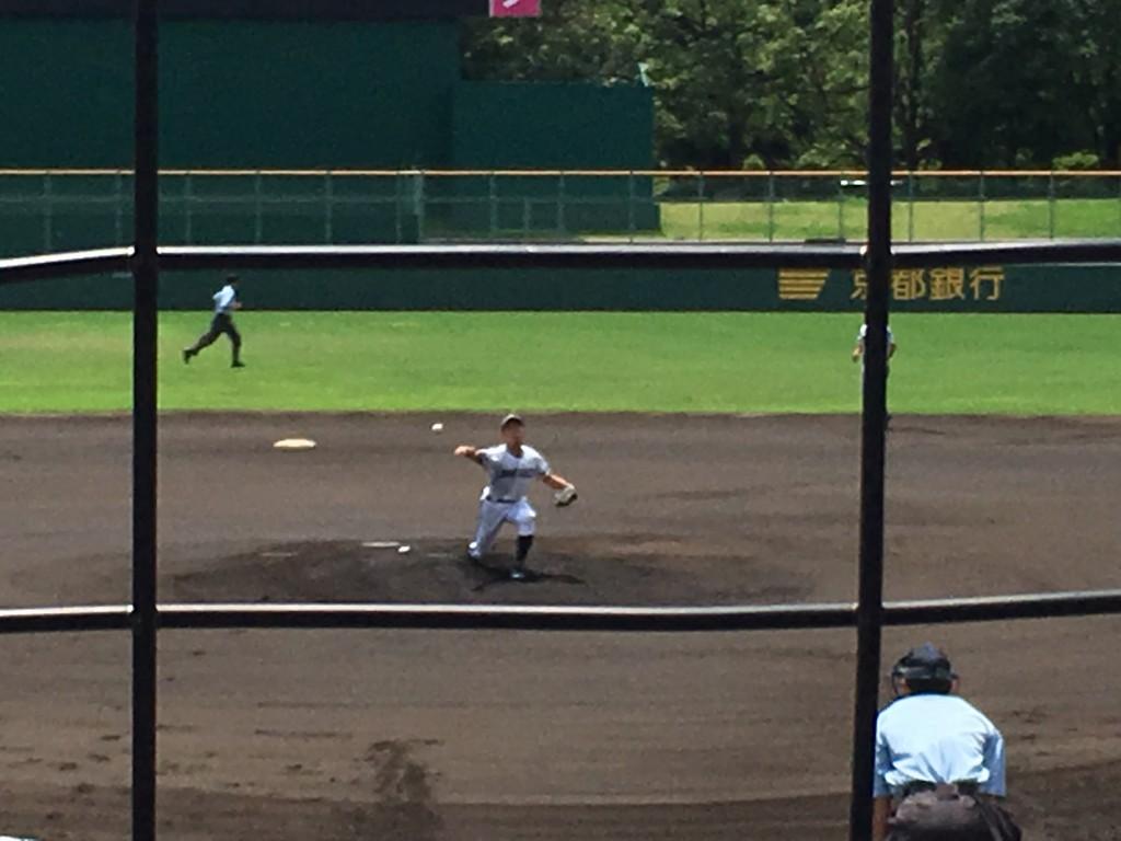 洛星先発の背番号8、佐藤投手