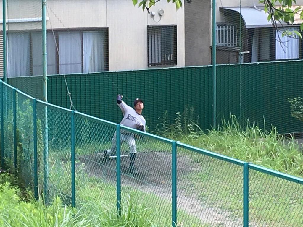 ブルペンで調整する玉田投手