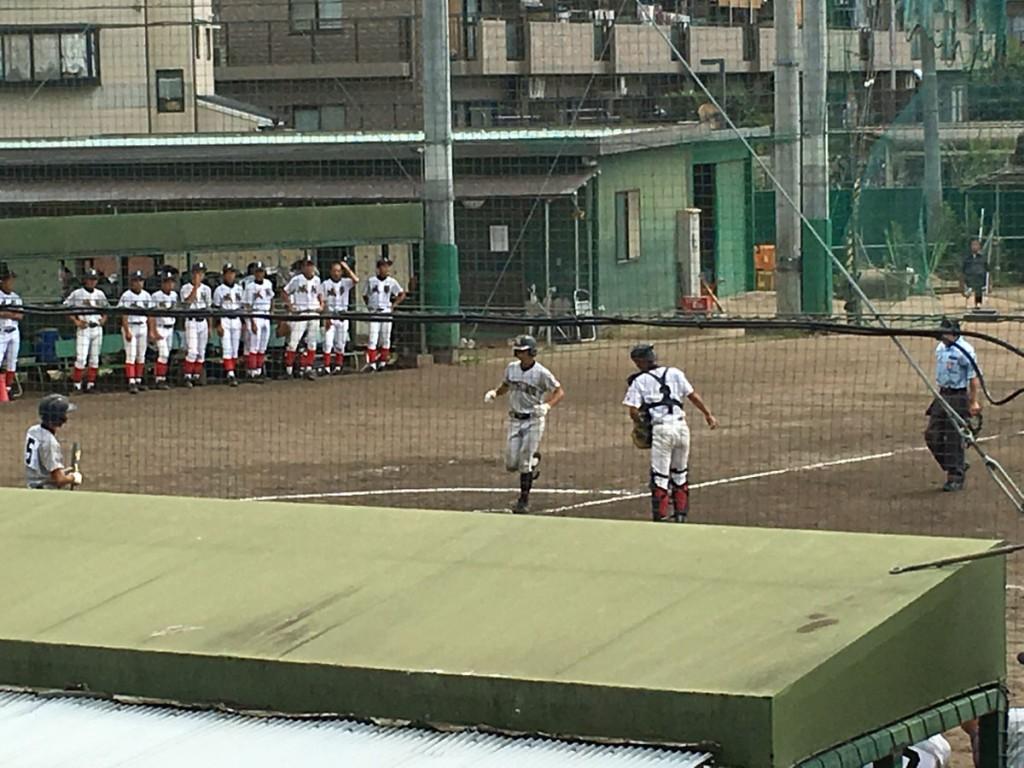 ソロホームランの長谷川選手