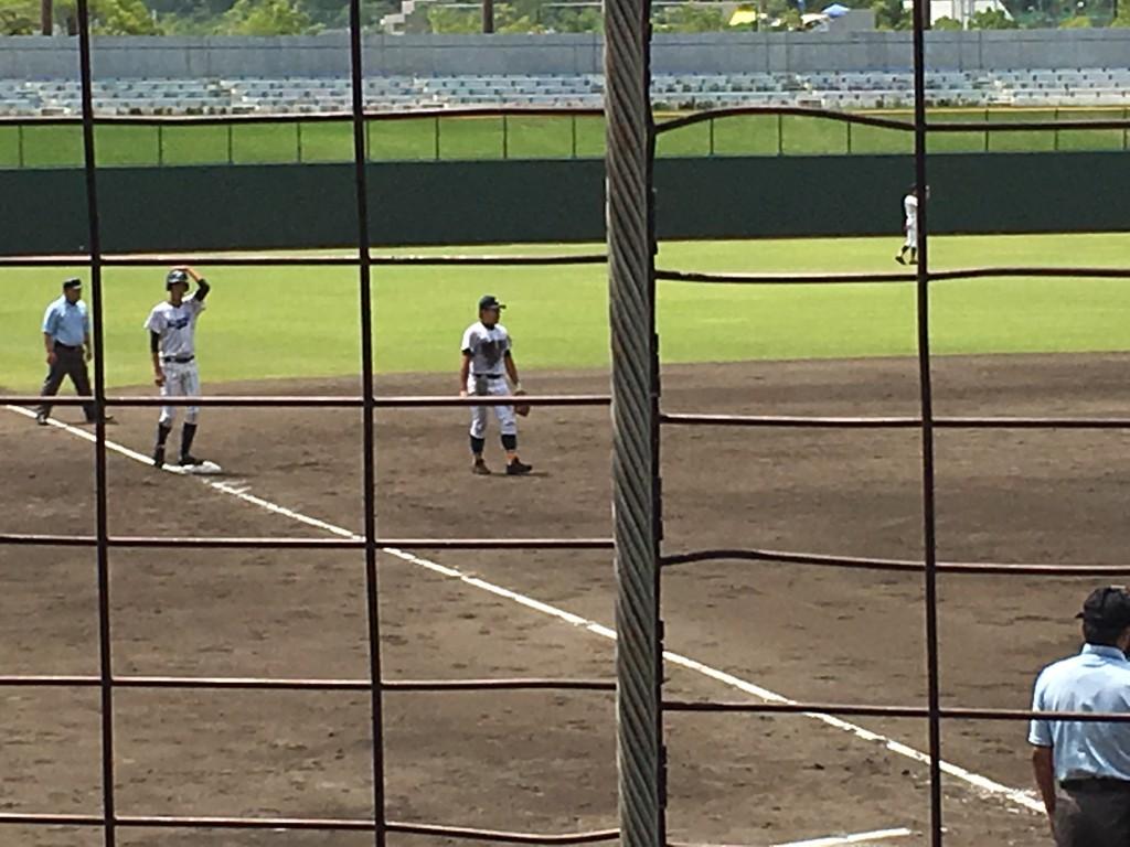 3塁へ進む山田選手