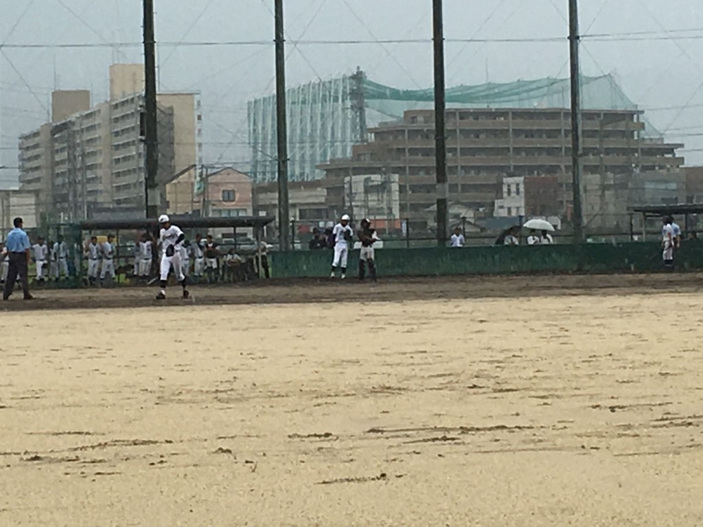 京都学園2番手の山本投手