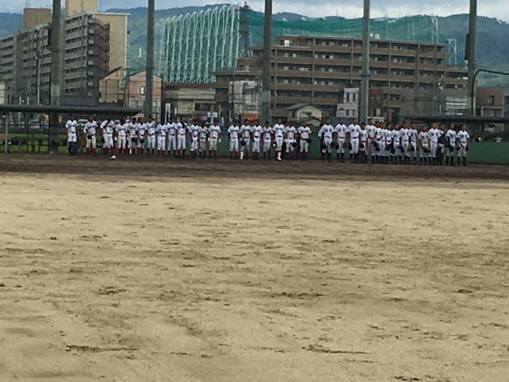 試合終了後の両チーム整列