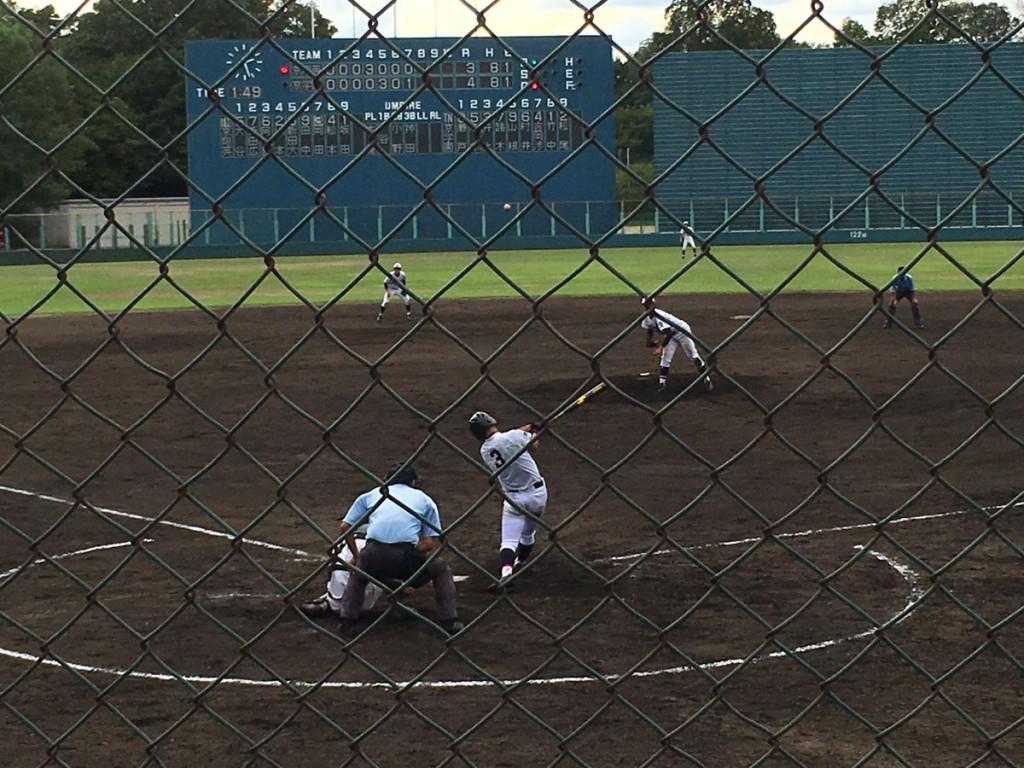 岡田選手の走者一掃のタイムリー2塁打
