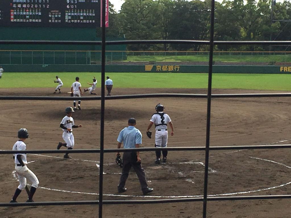 尾崎選手が7点目のホームイン