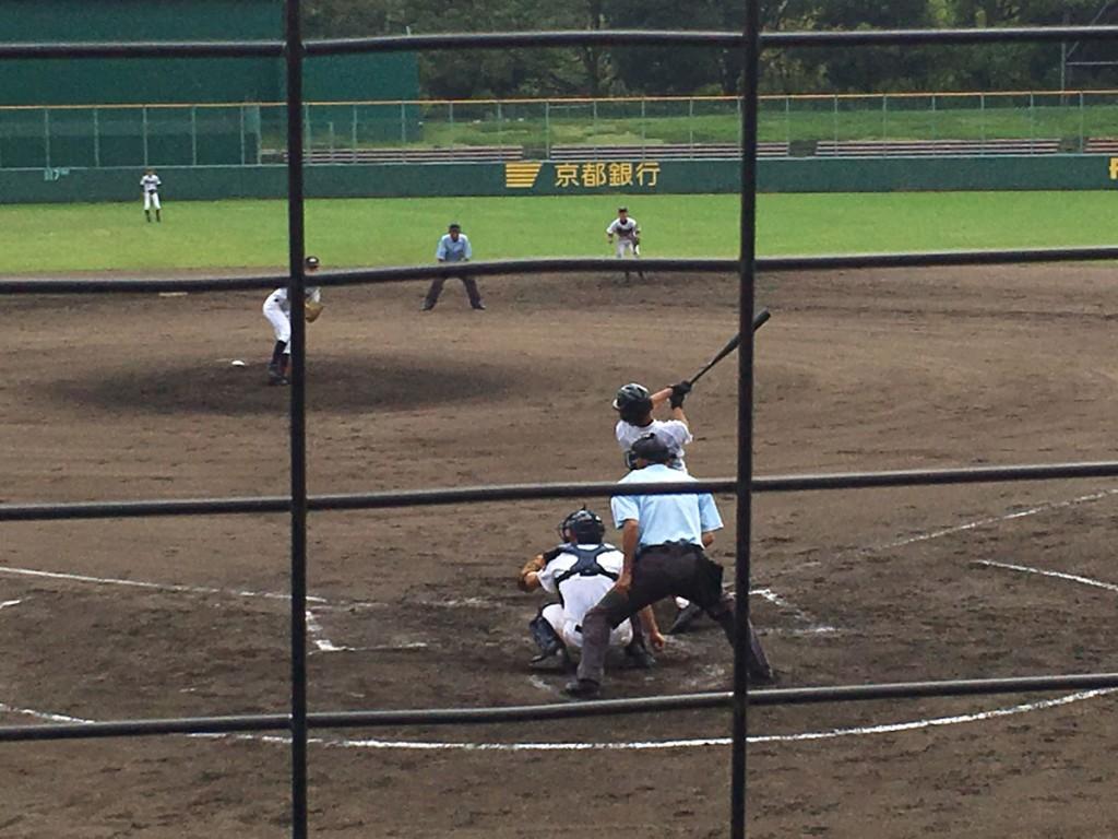 岡田選手がタイムリー二塁打