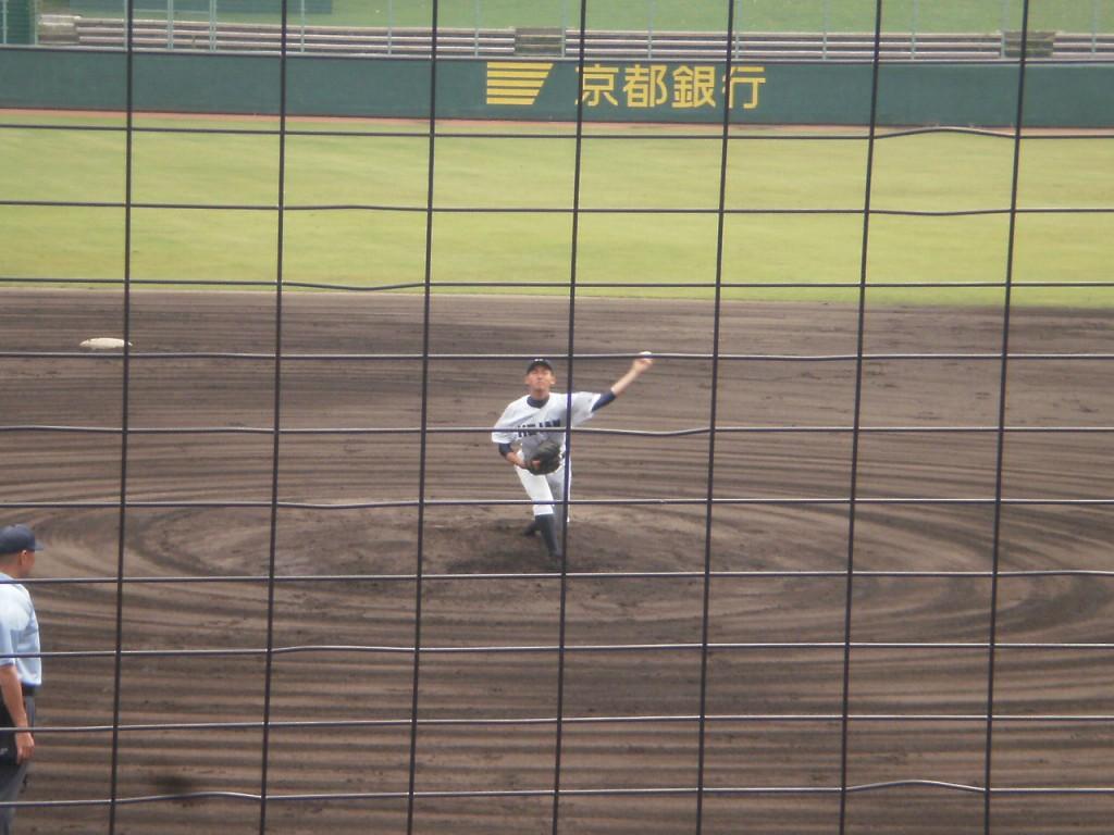 龍谷大平安先発の元氏投手