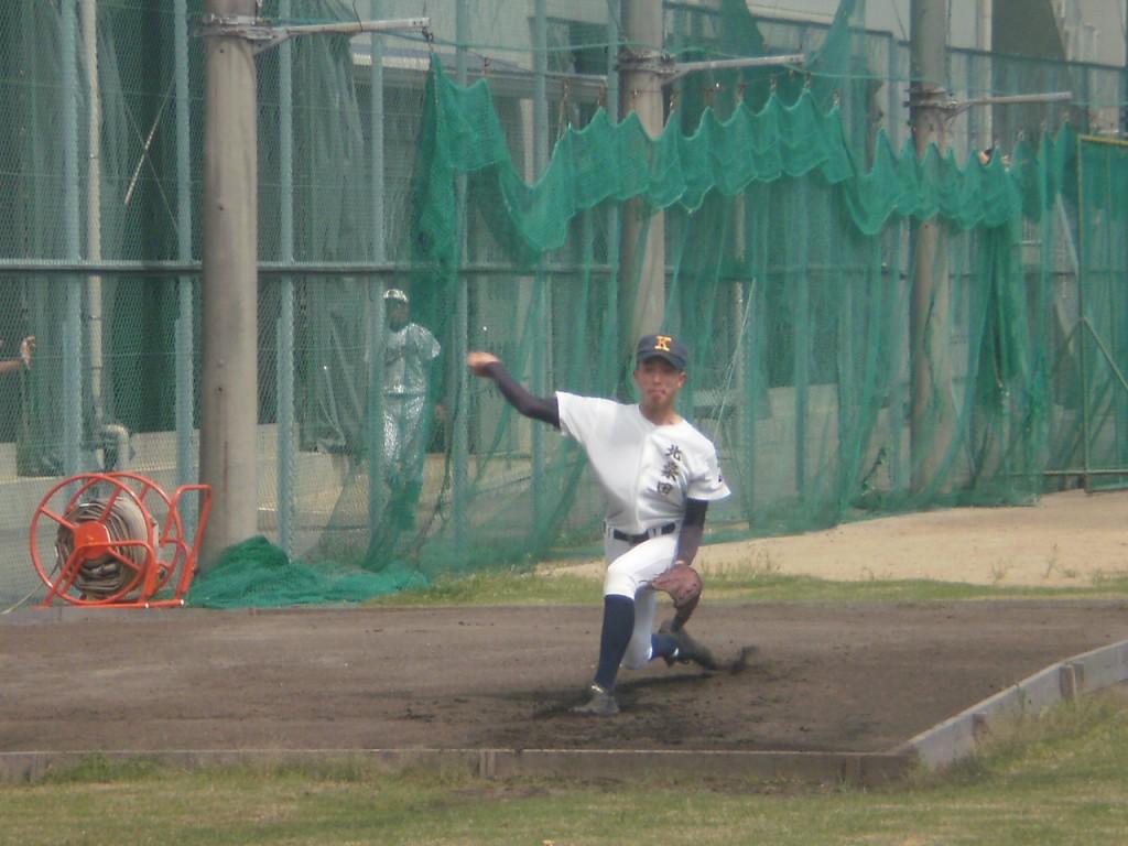 北桑田先発のエース右腕