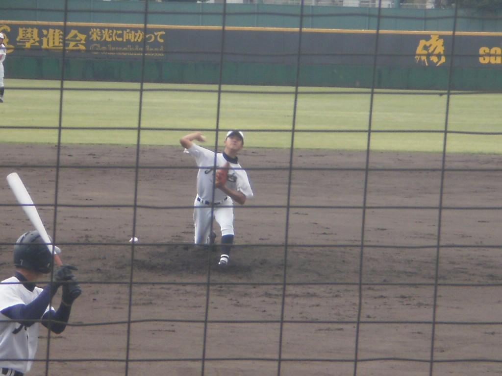 京都学園3番手の大内投手