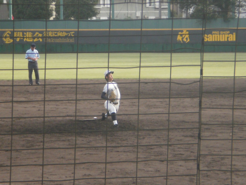 日星3番手の波多野投手
