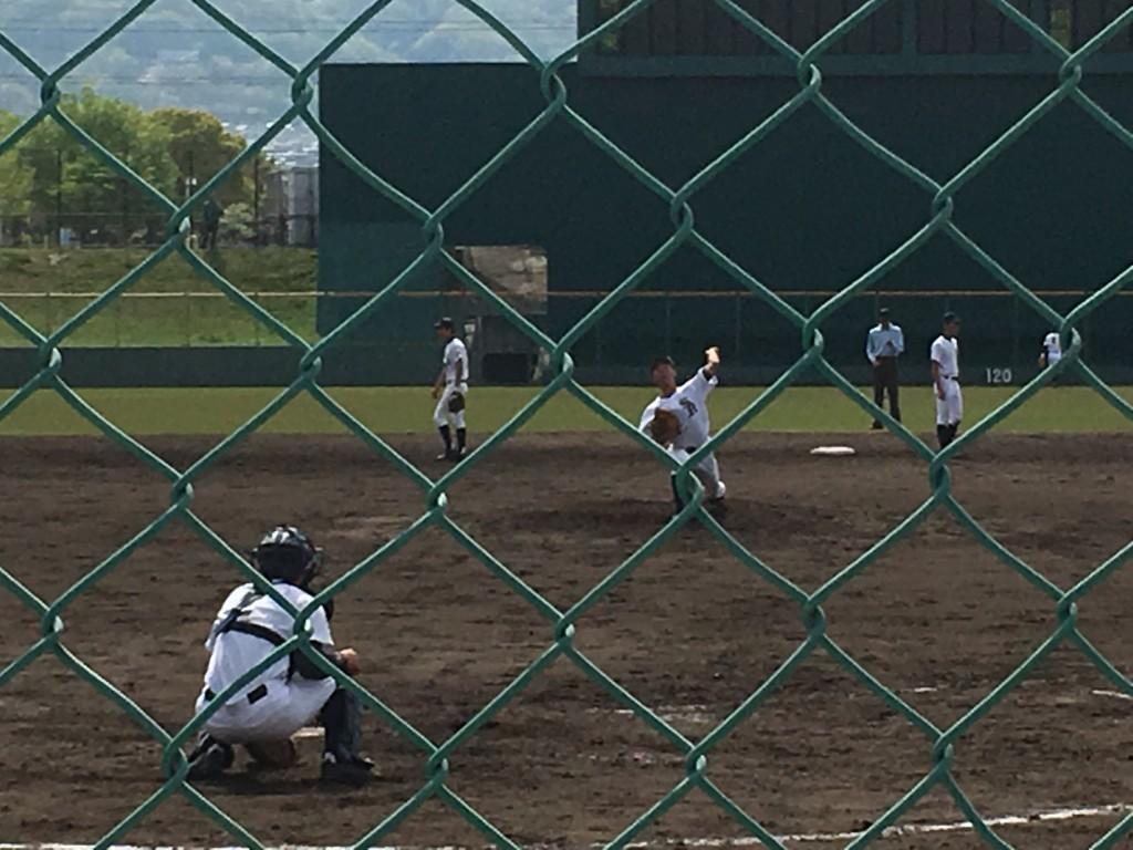 堺東3番手の背番号11左腕投手