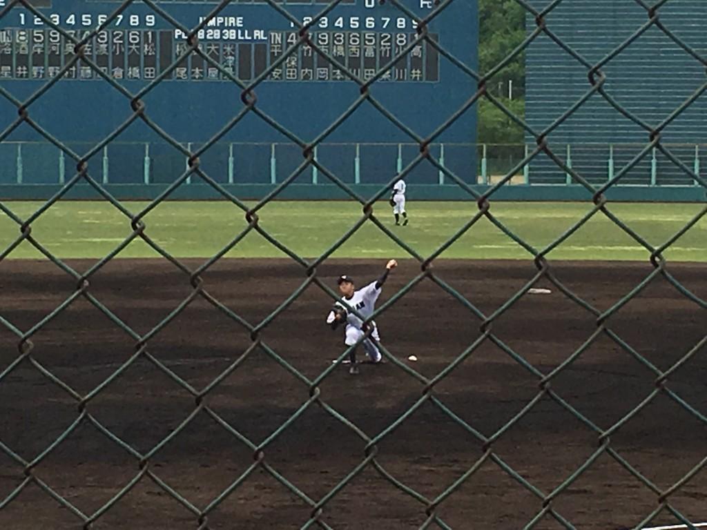 平安先発の背番号18高井投手