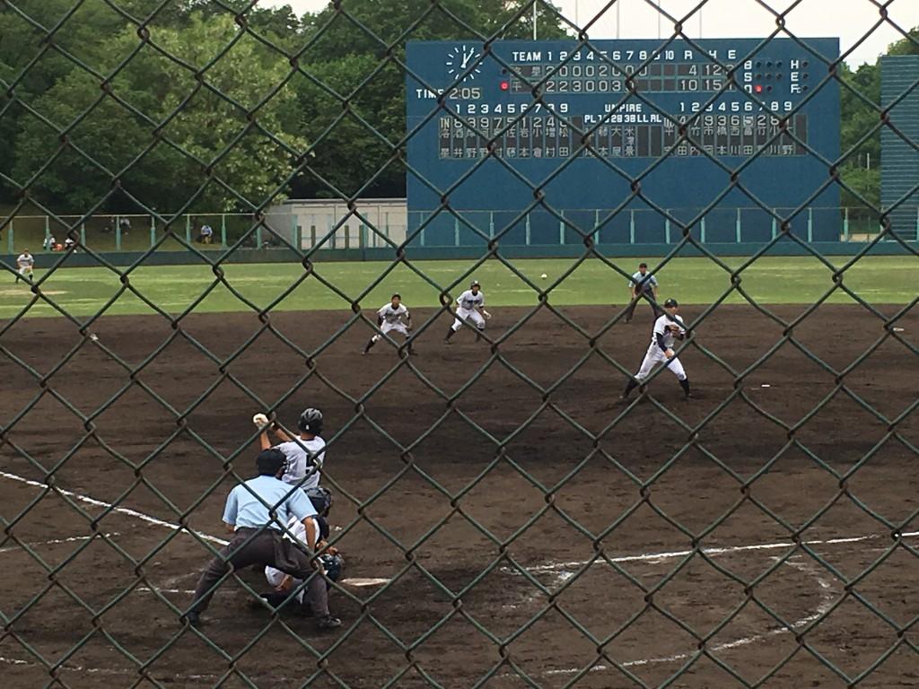冨田選手がセンター前にサヨナラタイムリーヒット!