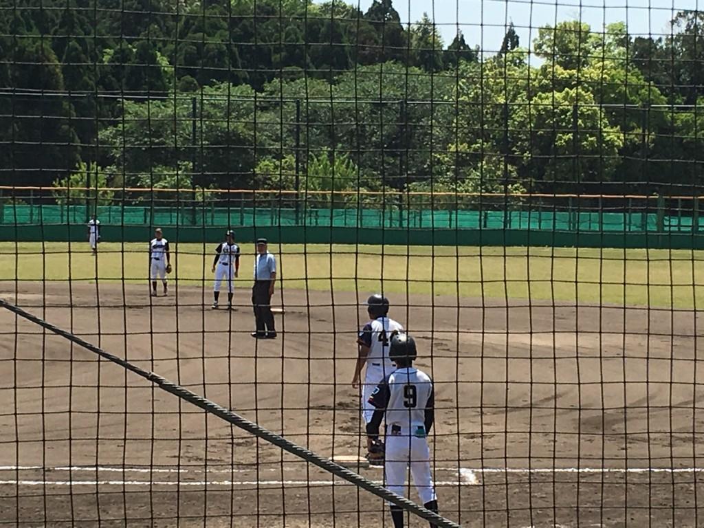 初回先制のチャンスも無得点に終わった滋賀大学