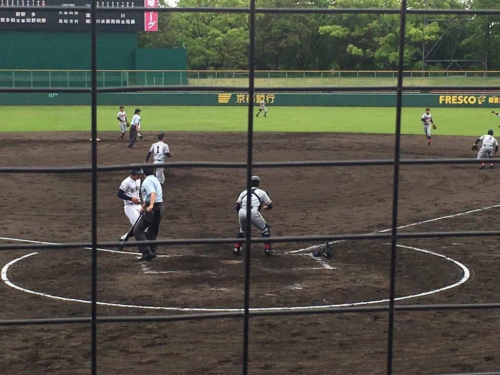 上野青選手が3点目のホームイン