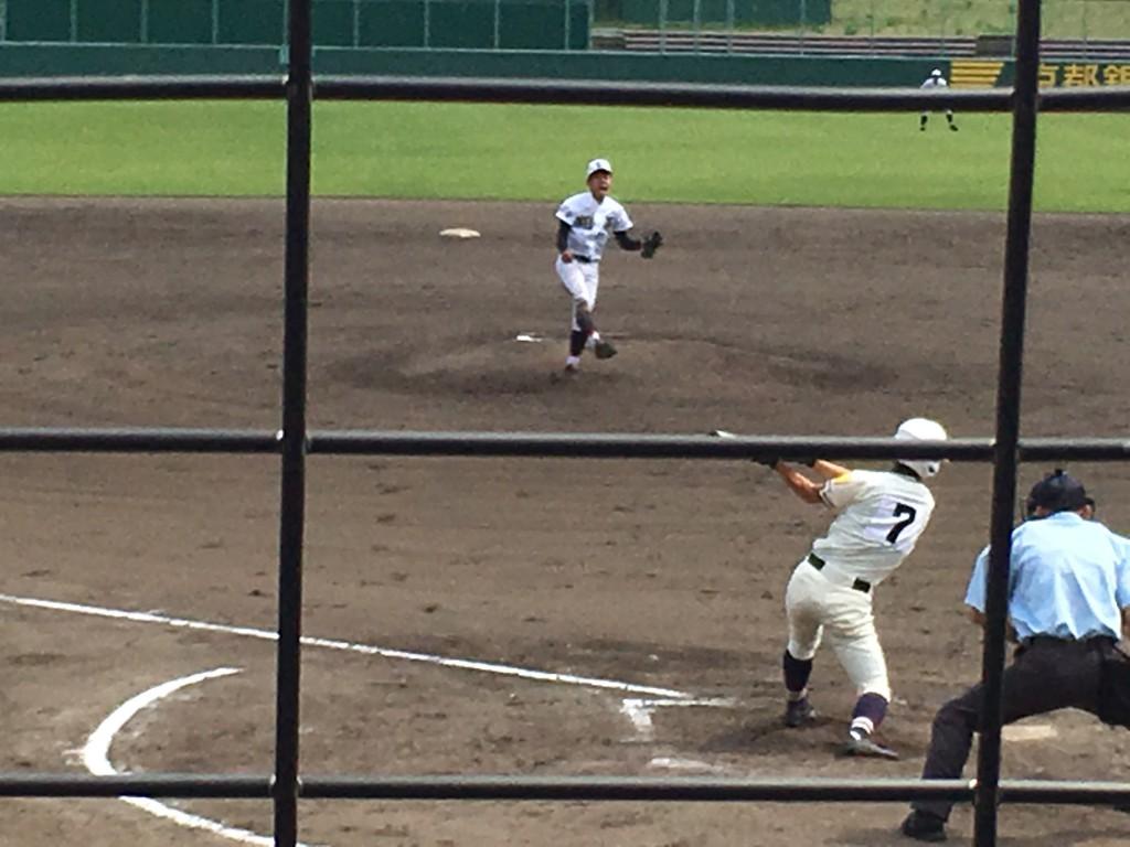 優勝を決め雄叫びをあげる瀧野投手