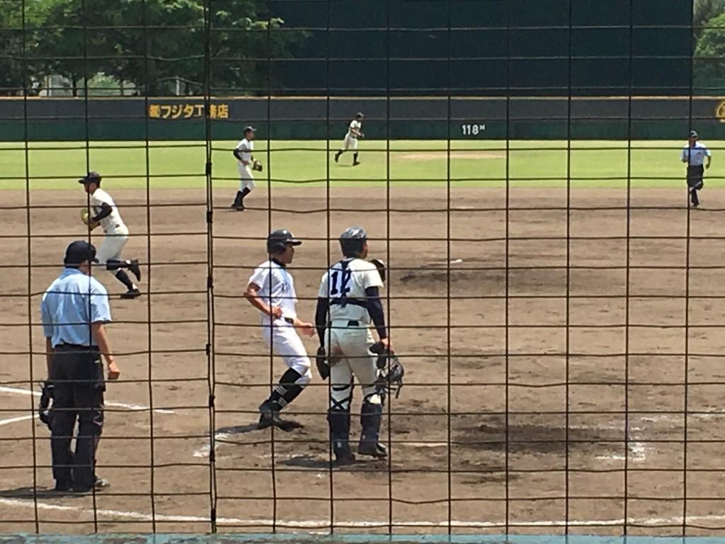 野村選手が福知山2点目のホームイン