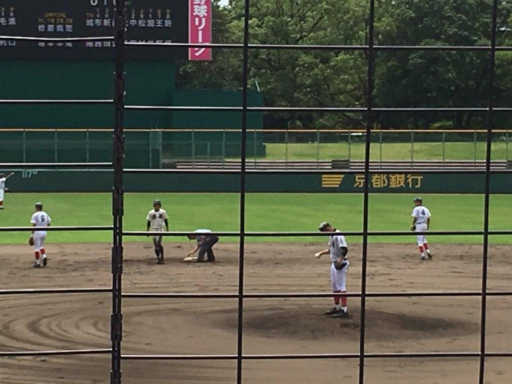 2塁へ進んだ森阪選手