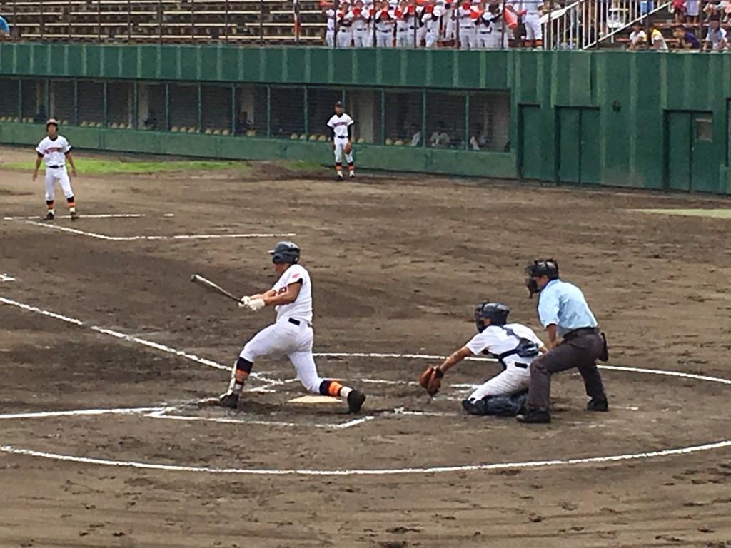 走者一掃のタイムリー三塁打の奈良選手