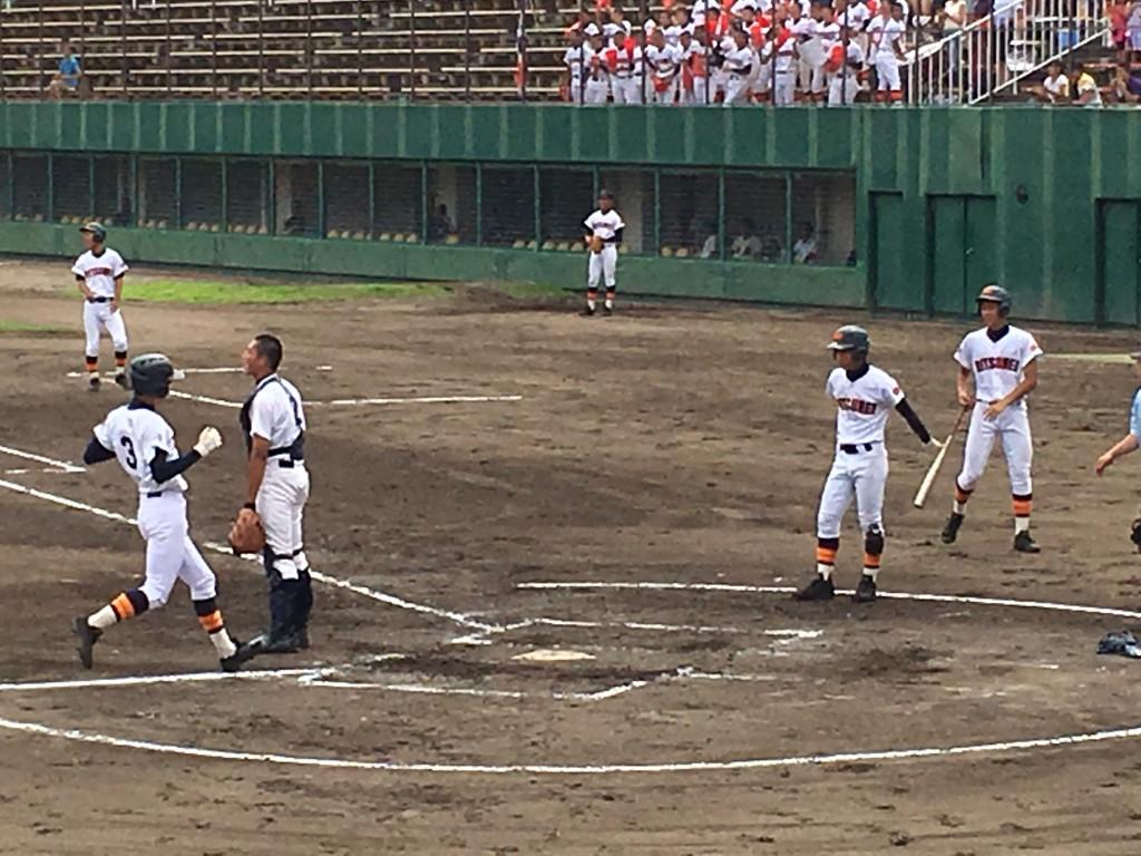 立命館、宮崎選手が5点目のホームイン
