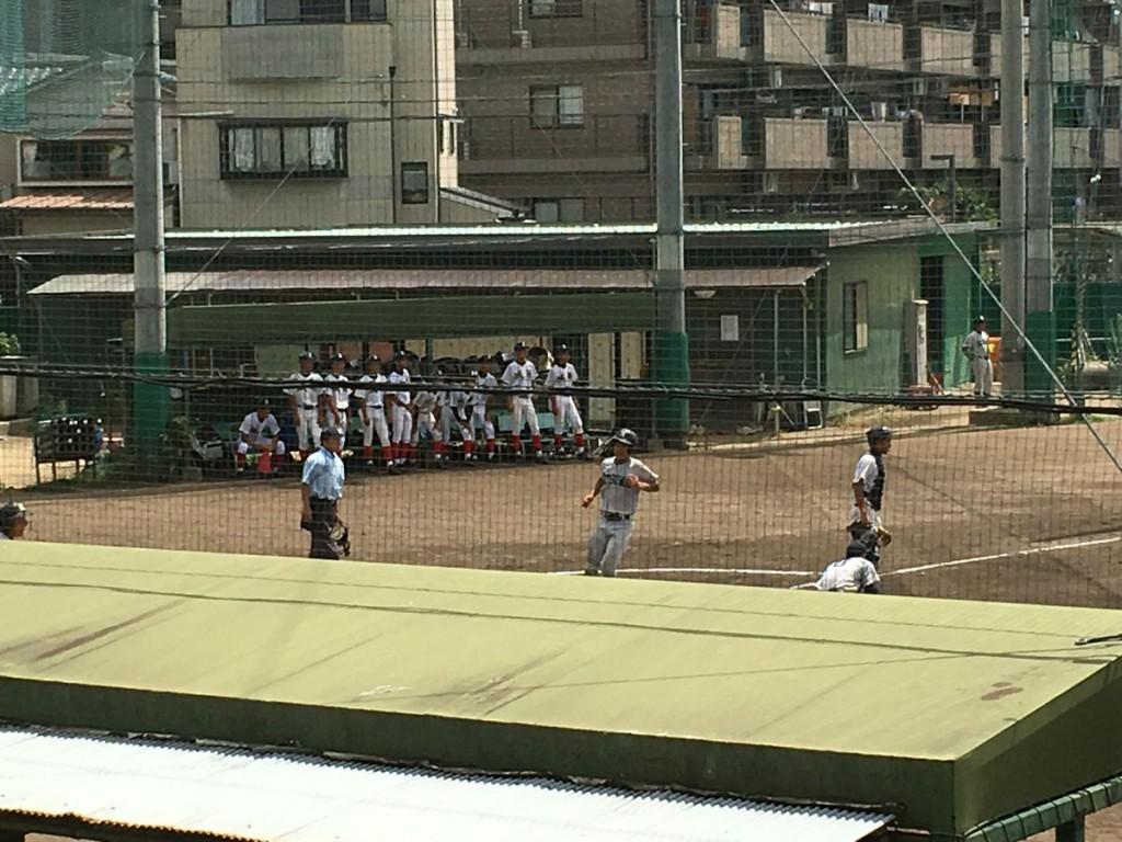 寺田選手が3点目のホームイン